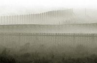 barrières dans la brume