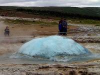 Jeyser islandais sur le point de ... (cc) Ruth Hartnup Flickr